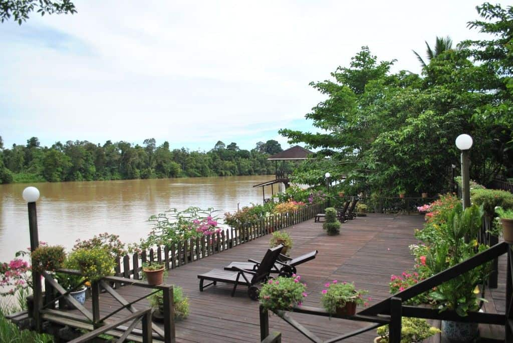 sukao riverside lodge