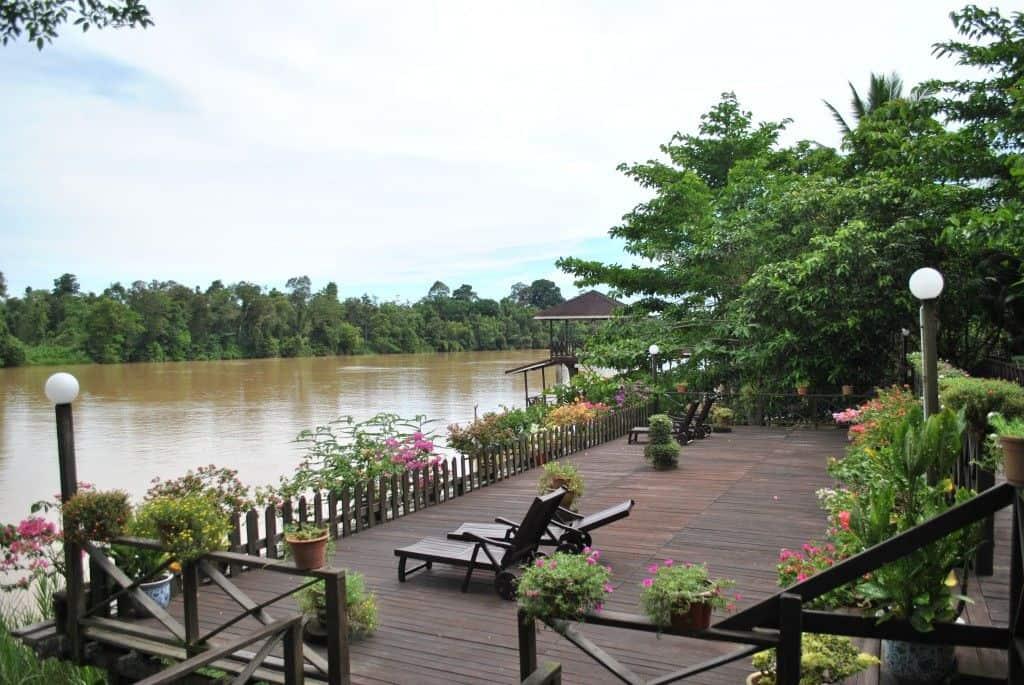 sukao riverside lodge